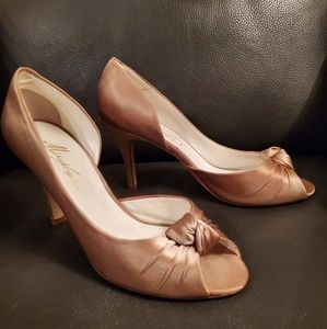 Michaelangelo Light Tan Heels